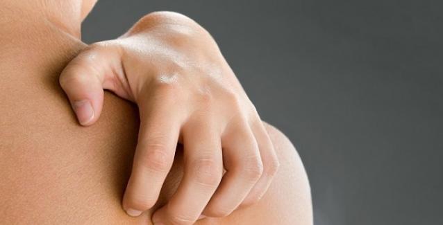 Φαγούρα στο σώμα: Δείτε όλες τις πιθανές αιτίες