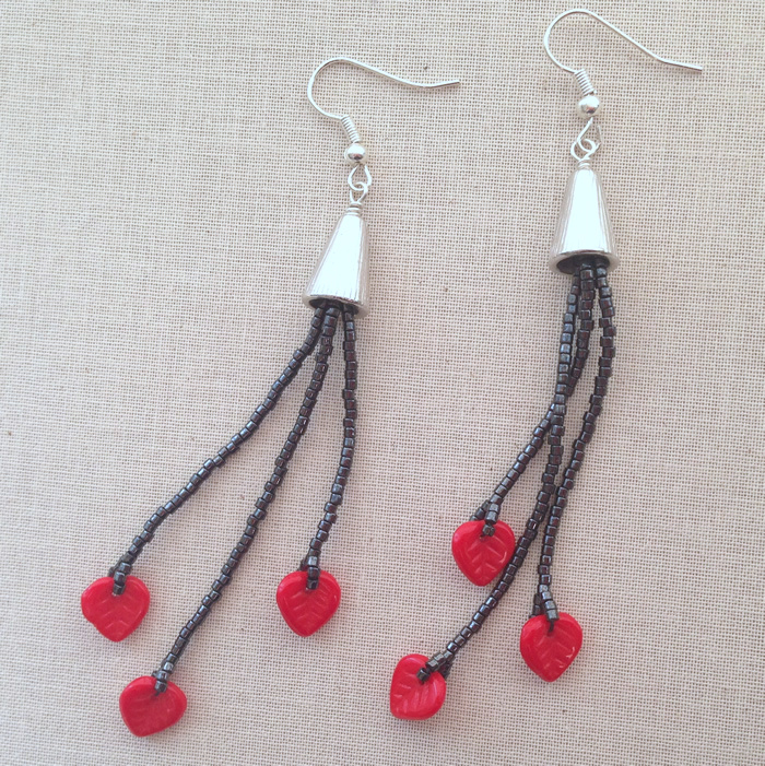 How cute are these?! Free tutorial to make long shoulder duster tassel earrings: Lisa Yang's Jewelry Blog