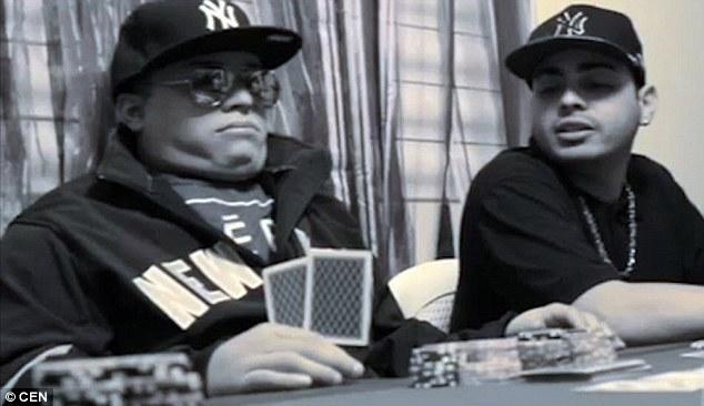 mayat yang sedang bermain judi poker-2