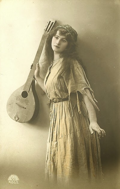 Vintage Photographs Of Beautiful Gypsy Women 19th