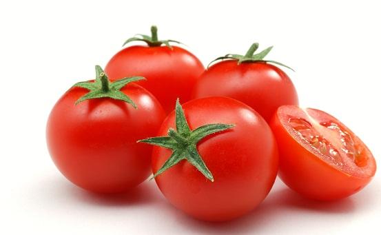 टमाटर से पाए किल मुहासों से छुटकारा एक दिन में -The tomatoes were killed in one day to get rid of pimples -