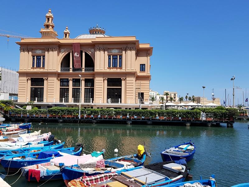 Malta, Wakacje, zakreecona. pl, zakreecona, podróże, Włochy, Sycylia, Bari, kręcone włosy, kapelusz, lato, Apulia, travel