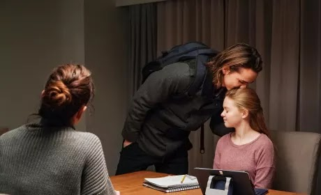 Colony - Season 3 - Review (Spoilers)