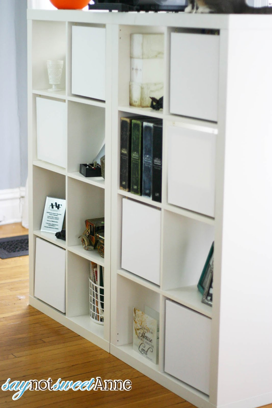 diy des portes home made pour votre expedit initiales gg. Black Bedroom Furniture Sets. Home Design Ideas
