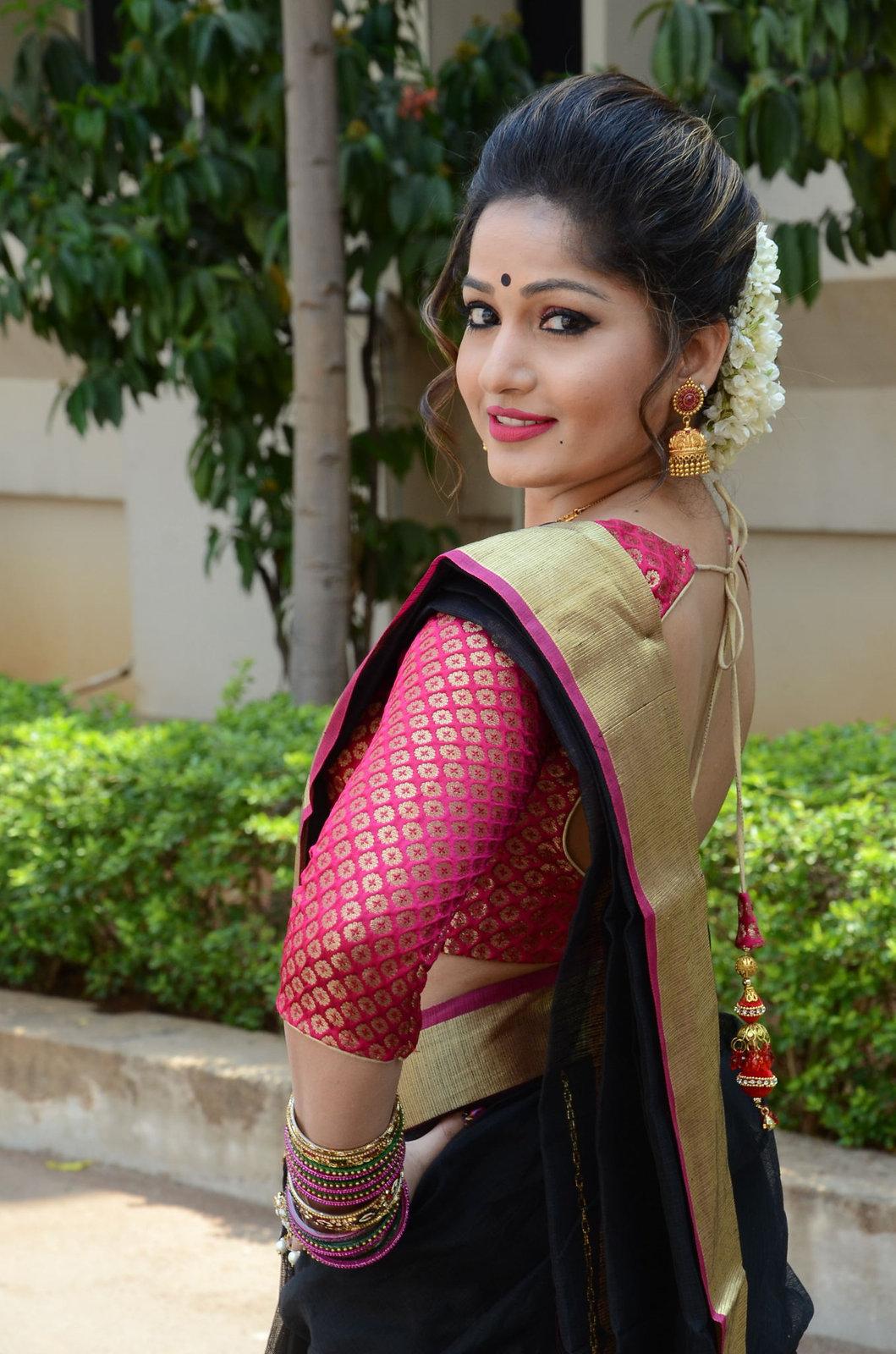 madhavi latha latest pics-HQ-Photo-12