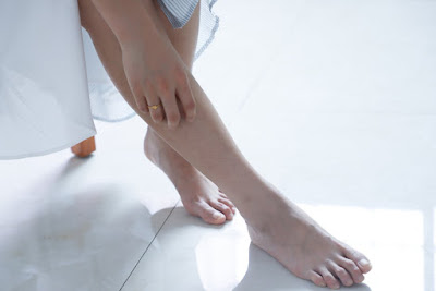 Tips For Skin Care in Winter - Special care for feetfeet