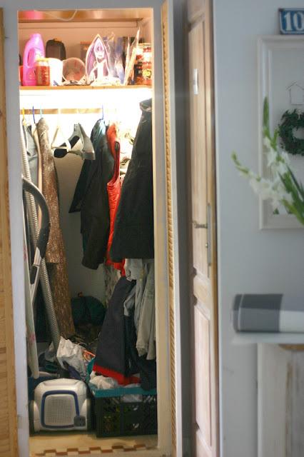 4cd785550d2f4 My little white Home  Schowek w małym mieszkaniu