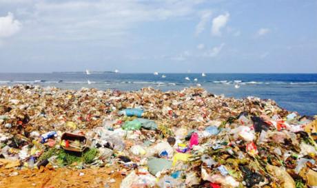 Đảo Lý Sơn ngập rác sau làn sóng du lịch
