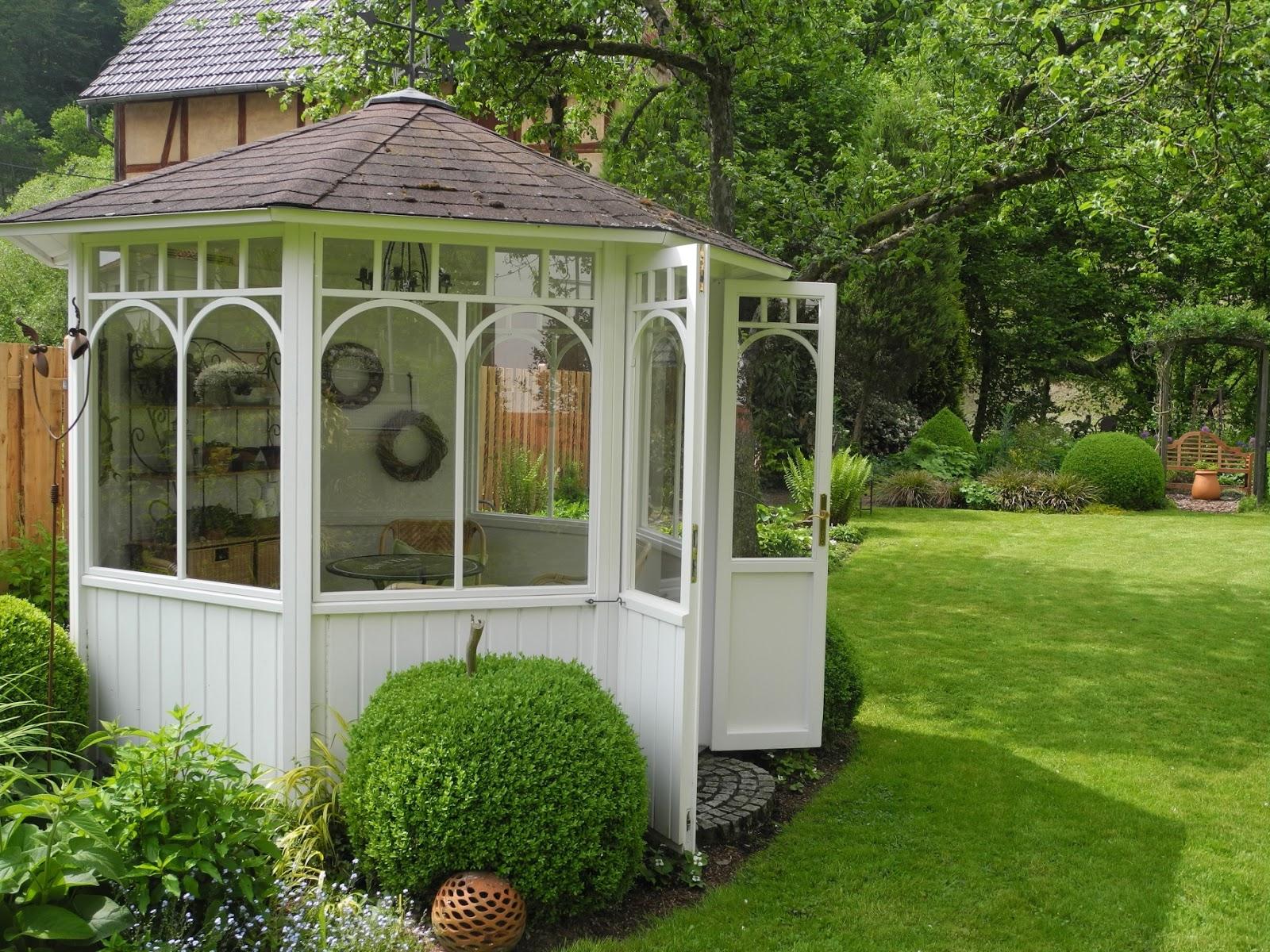 schmiedegarten deko f rs gartenhaus. Black Bedroom Furniture Sets. Home Design Ideas