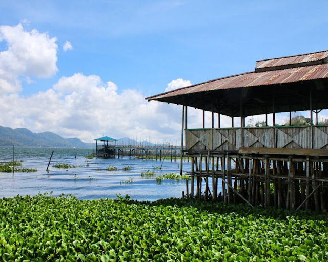 Danau Tondano terletak di Desa Remboken Danau Tondano, Danau Terluas Di Sulawesi Utara