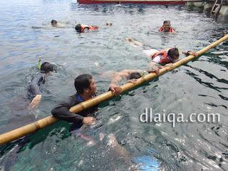 sesi snorkeling