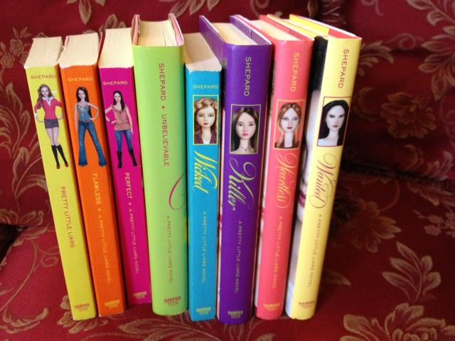 Pretty Little Liars First Book Cover ~ الكتابة في الظلام book series that i want dream to read