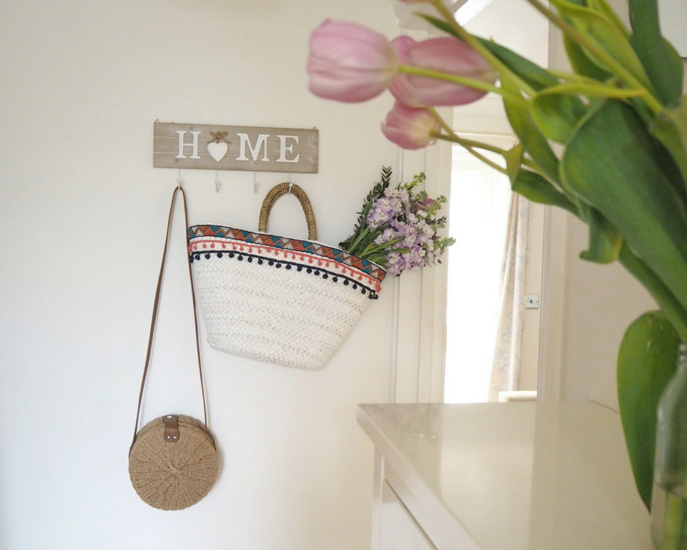 summer straw bags from the high street that look great hung up in your home on budget for £30 or under