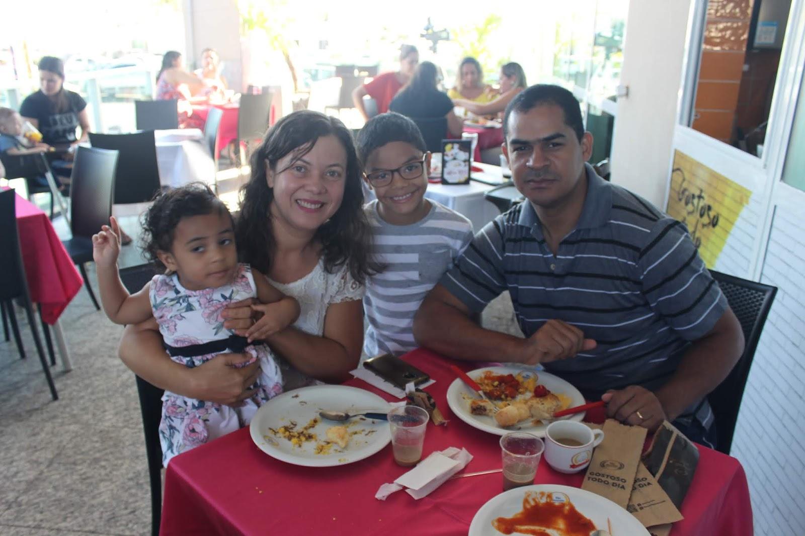 IMG 3634 - Dia 12 de maio dia das Mães no Jardins Mangueiral foi com muta diverção e alegria com um lindo café da manha