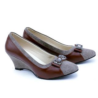 Sepatu wanita wedges,sepatu formal wedges terbaru,sepatu kerja wanita garsel,sepatu kerja wanita hak 4cm, grosir sepatu kerja murah,sepatu kerja murah di bandung,gambar sepatu kerja pegawai bank,sepatu kerja murah surabaya,sepatu kantor murah tanah abang