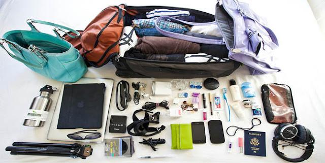 Peralatan Traveling Paling Aneh saat Berpetualang