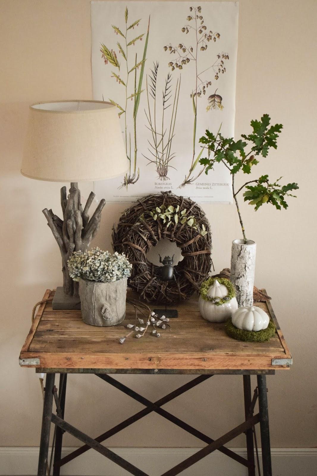 Deko Herbst für Konsole und Sideboard mit Eicheln. Herbstdeko Dekoidee Wohnzimmer Dekoration eiche eicheln botanisch natuerlich dekorieren 10