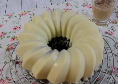 Baileys Schokohupf Mit Weisser Schokoladenglasur Cookie Und Co