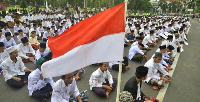 Mereka Ingin Hancurkan Indonesia dengan Merusak NU