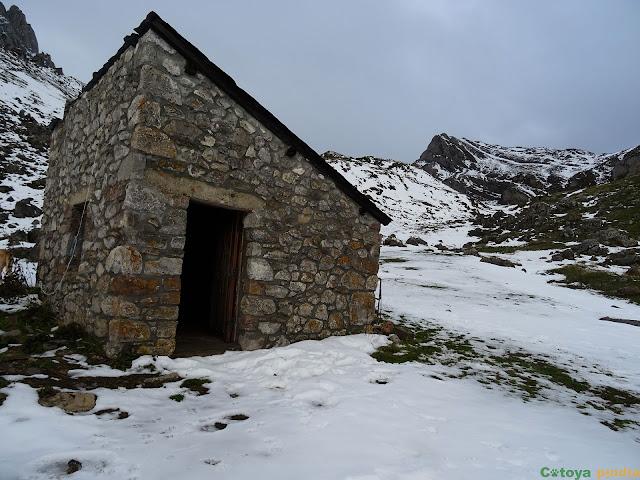 Pasamos por una cabaña de pastores en la Majada Las Verdes