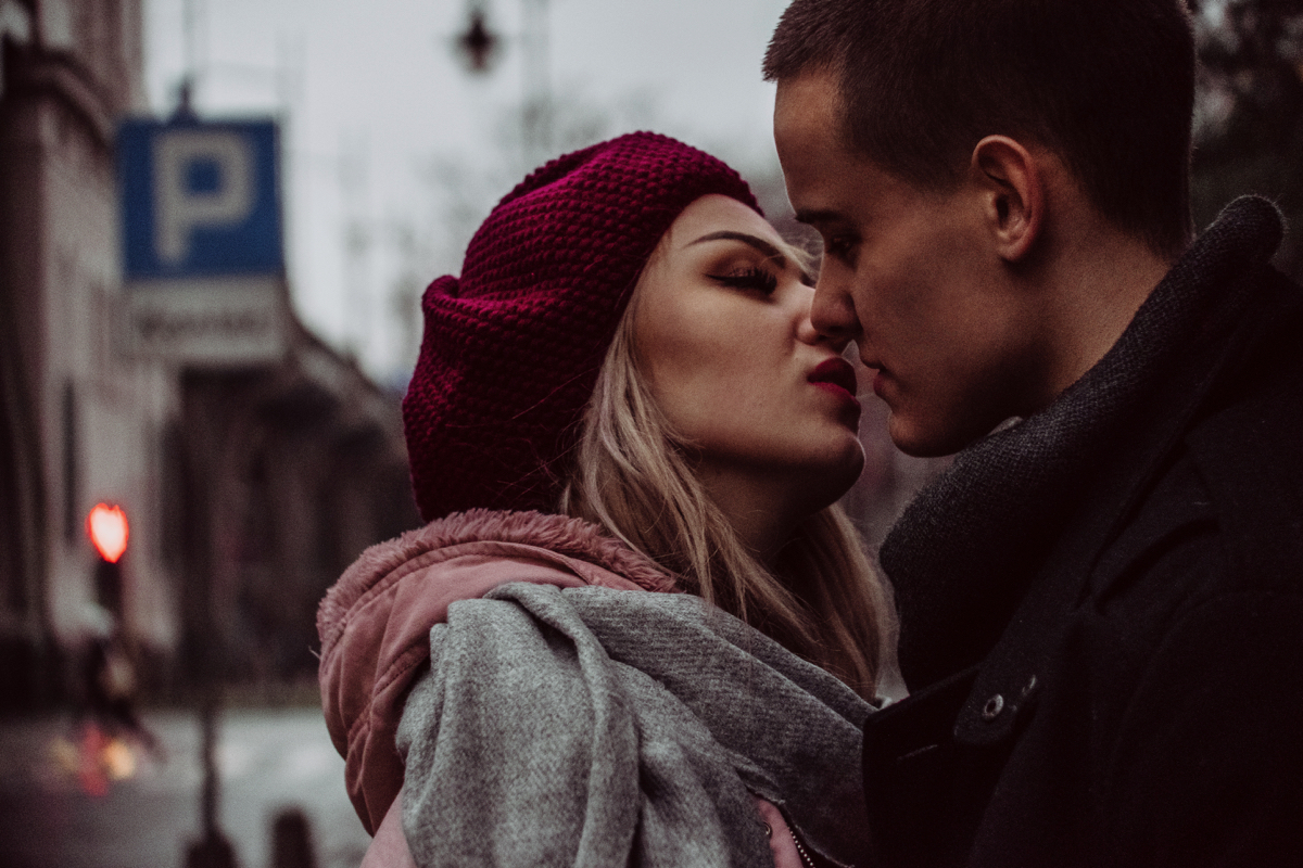 one-sided relationship, one sided relationship, relationship problems, relationship advice, relationship blog, distant relationship