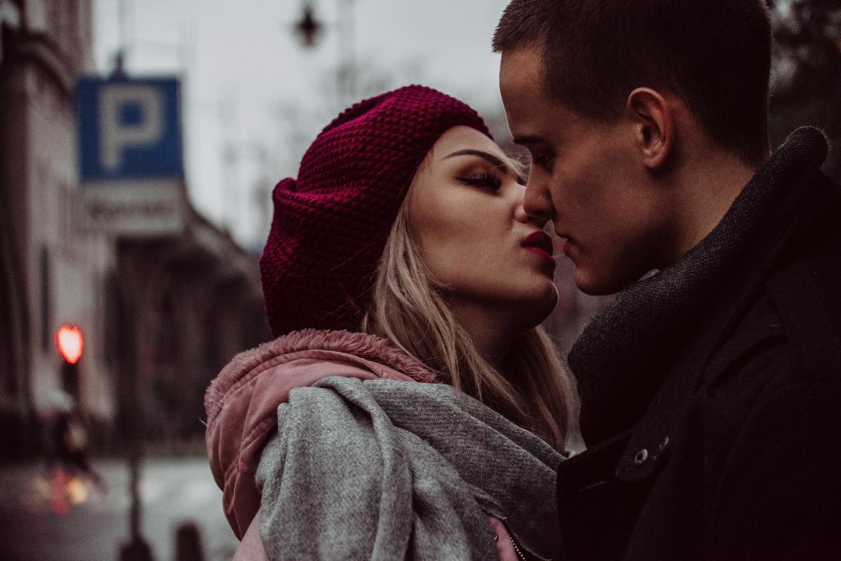 one-sided relationship, one sided relationship, relationship problems, relationship advice, relationship blog, distant relationship
