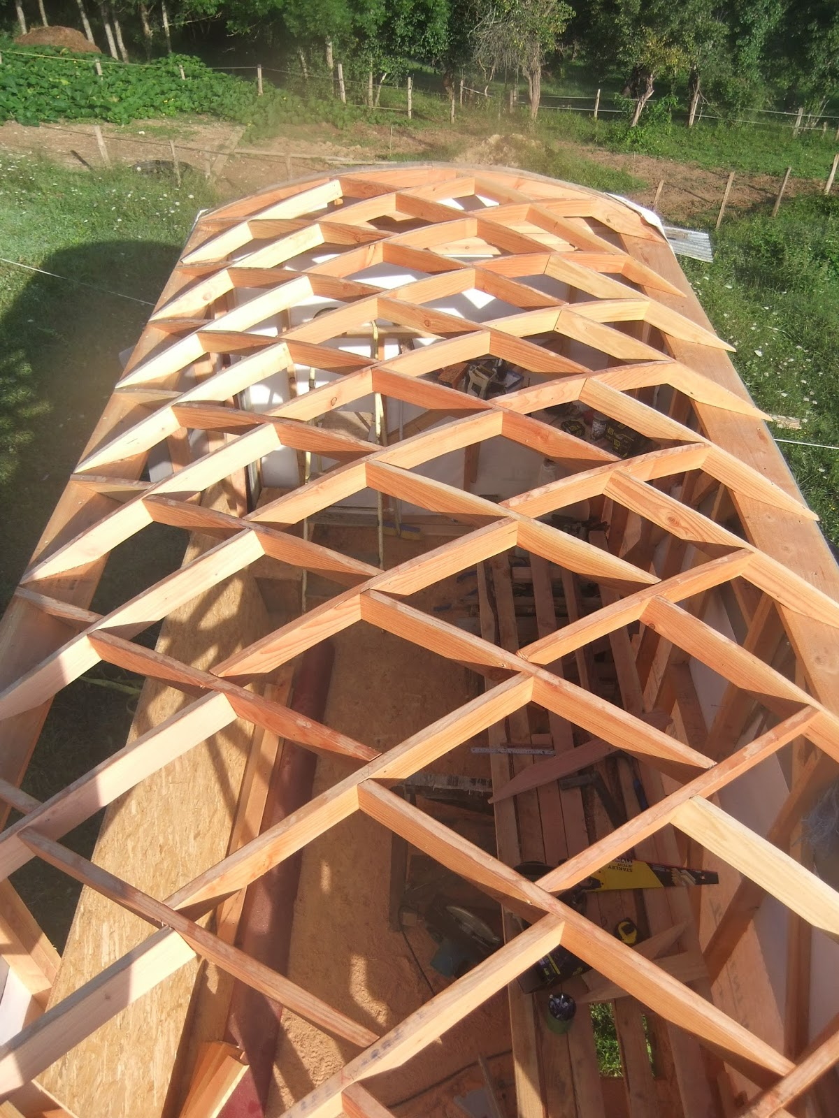 charpente bois nid d'abeille