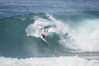 32 Kelly Slater Billabong Pipe Masters foto WSL Damien Poullenot