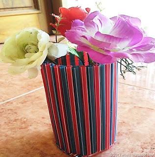 Vas Bunga dari Sedotan