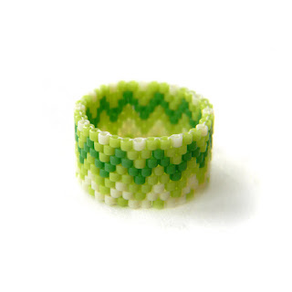 купить украшения из бисера кольца с узором широкое женское кольцо