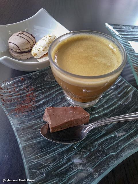 Café en Rody Chocoloaterie - Bergerac, Francia por El Guisante Verde Project