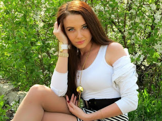 Charming Russian Model pics. Sweet Russian model pic