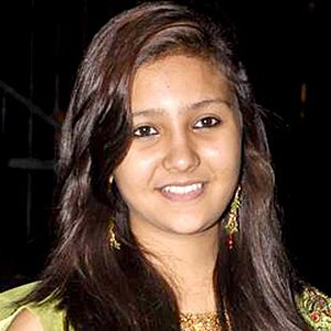 Aashika Profile Family Biography Age Biodata Husband Photos