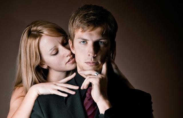 Ternyata Ini Tanda - Tanda Pacar Kamu Masih Mencintai Si Mantan Kekasih