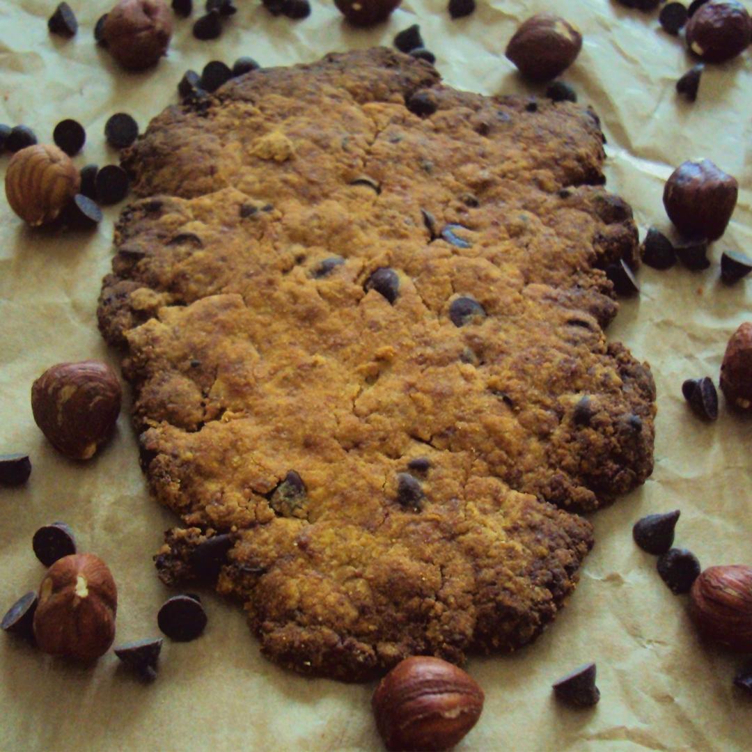Biscuits au lupin, noisettes, épeautre, sucre de coco et pépites de chocolat (vegan, végétalien, sans oeuf, sans beurre, sans lait)