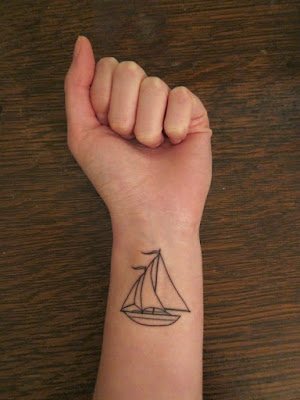 tatuaje velero muñeca