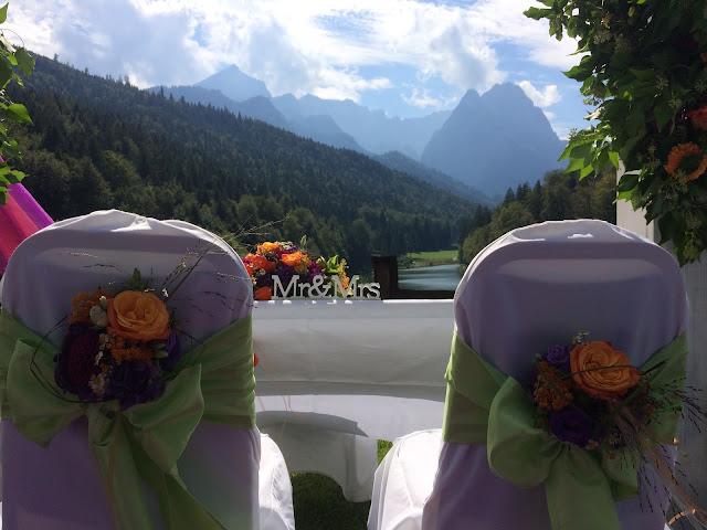 Trauung unter freiem Himmel Herbst-Hochzeit in den Bergen, Lila, Orange, Riessersee Hotel Garmisch-Partenkirchen, Bayern, Autumn wedding in Bavaria, Lilac and Orange
