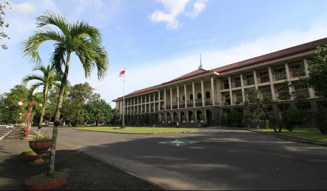 Universitas Gajah Mada - UGM