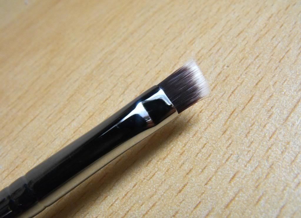 Nanshy Angled Detailer Brush