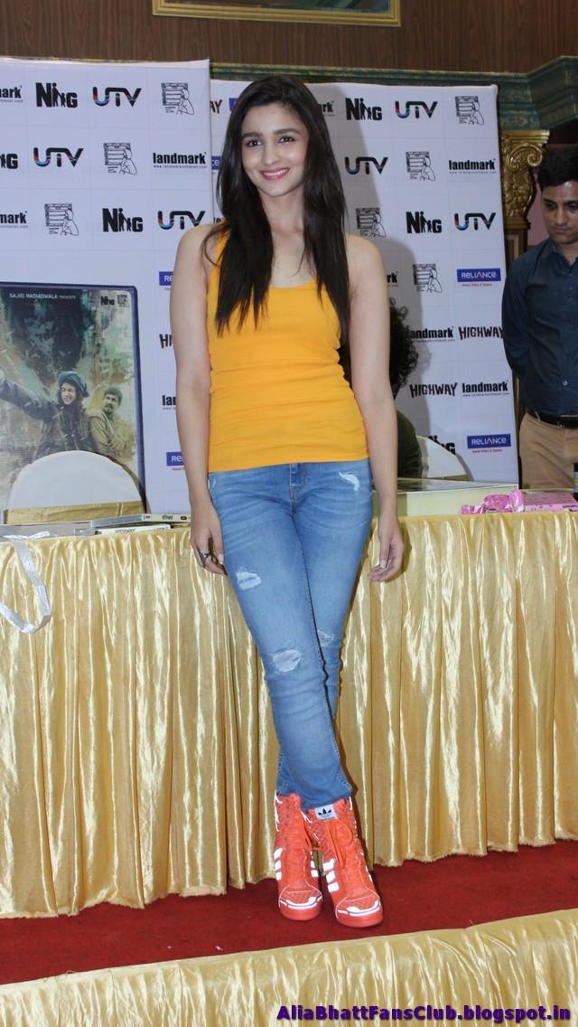 Alia Bhatt HD Sexy Pics