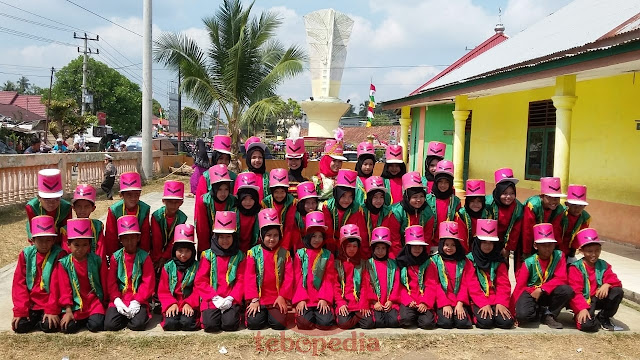 Tampil Memukau Aksi Drum Band MI Simpang V Tuai Pujian