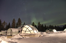 Jamie Amazing Northern Lights Glass Igloo Village