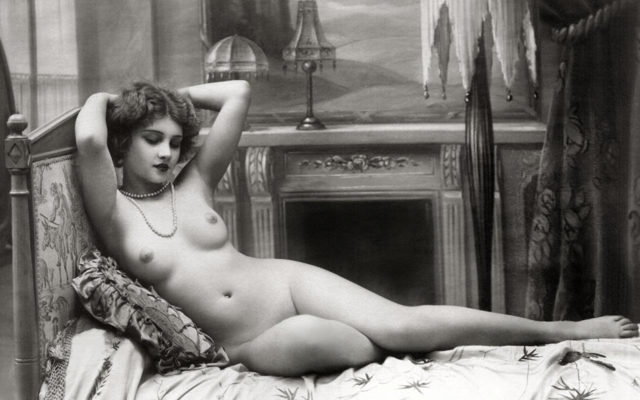 жизни, голые дамы декаданс редко