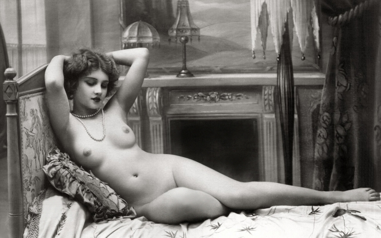French Nude Women Photos