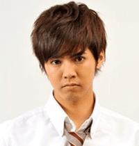 Ryota Katayose sebagai Kaede Ayasa