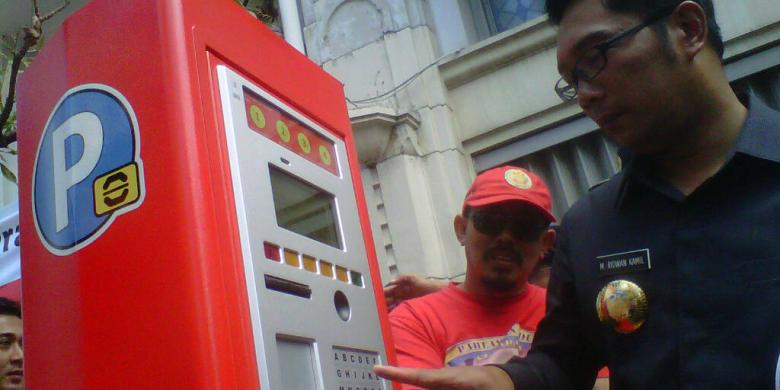 Akhirnya Mesin Parkir Elektronik Bisa di Pakai Warga Bandung