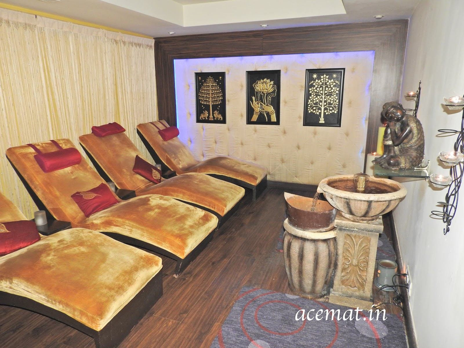 The Ambiance Of The Bodhi Spa Is So Srene That You Already Start Feeling  Replaxed. Water, Flowers, Peace, Noiseless Atmophere, With The Buddha  Meditating ...