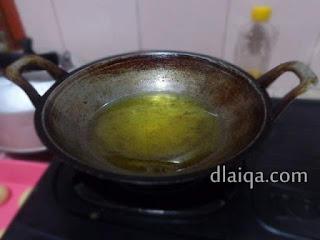 panaskan minyak