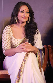 Bollywood Actress Sonakshi Sinha Pictures In Transparent White Saree (4)