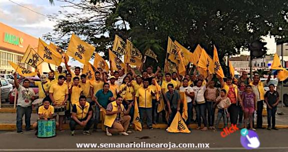 Perredistas dejan solo al candidato oportunista de la coalición PAN-PRD-PESQR, Luis Roldán, y se suman a Ismael Sauceda
